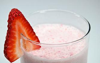 Strawberry coconut yogurt smoothie